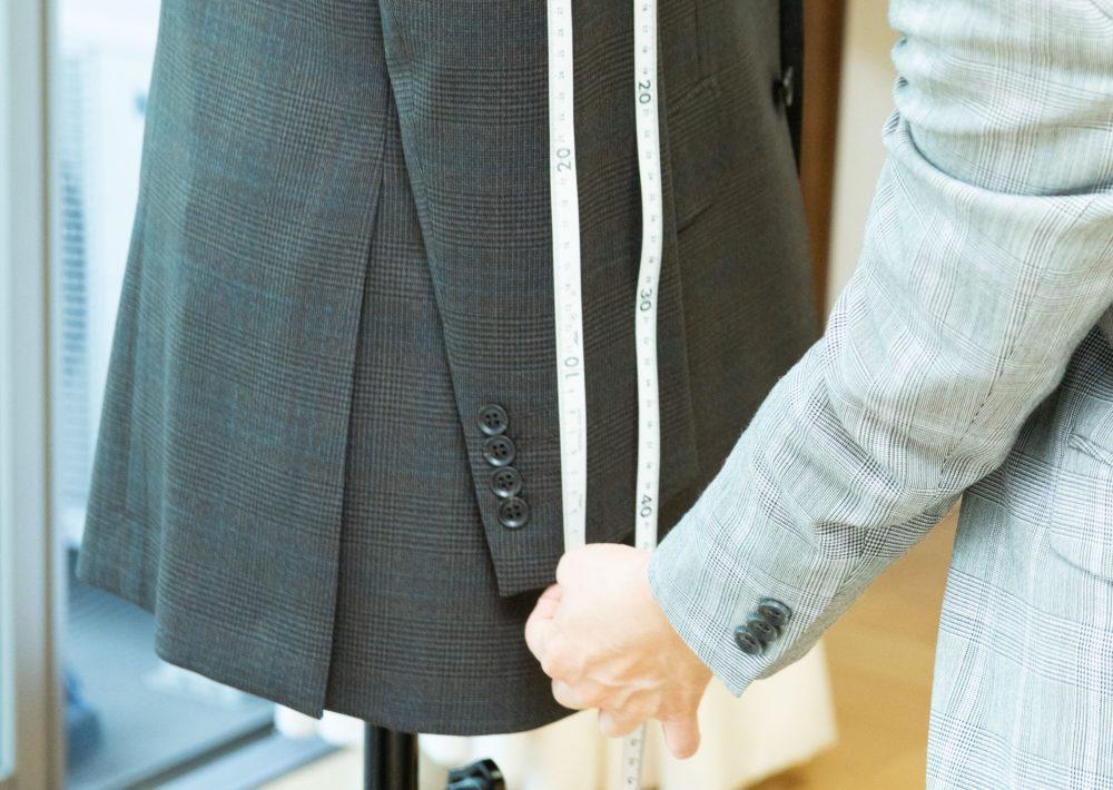 スーツの裾